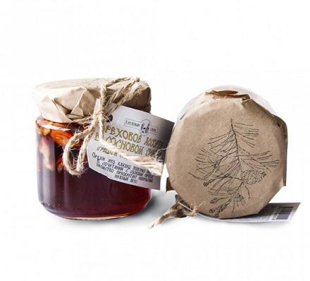 Ореховое ассорти в сосновом сиропе, 240 гр, (Грецкий орех, фундук, миндаль), Таёжный Тайник фото